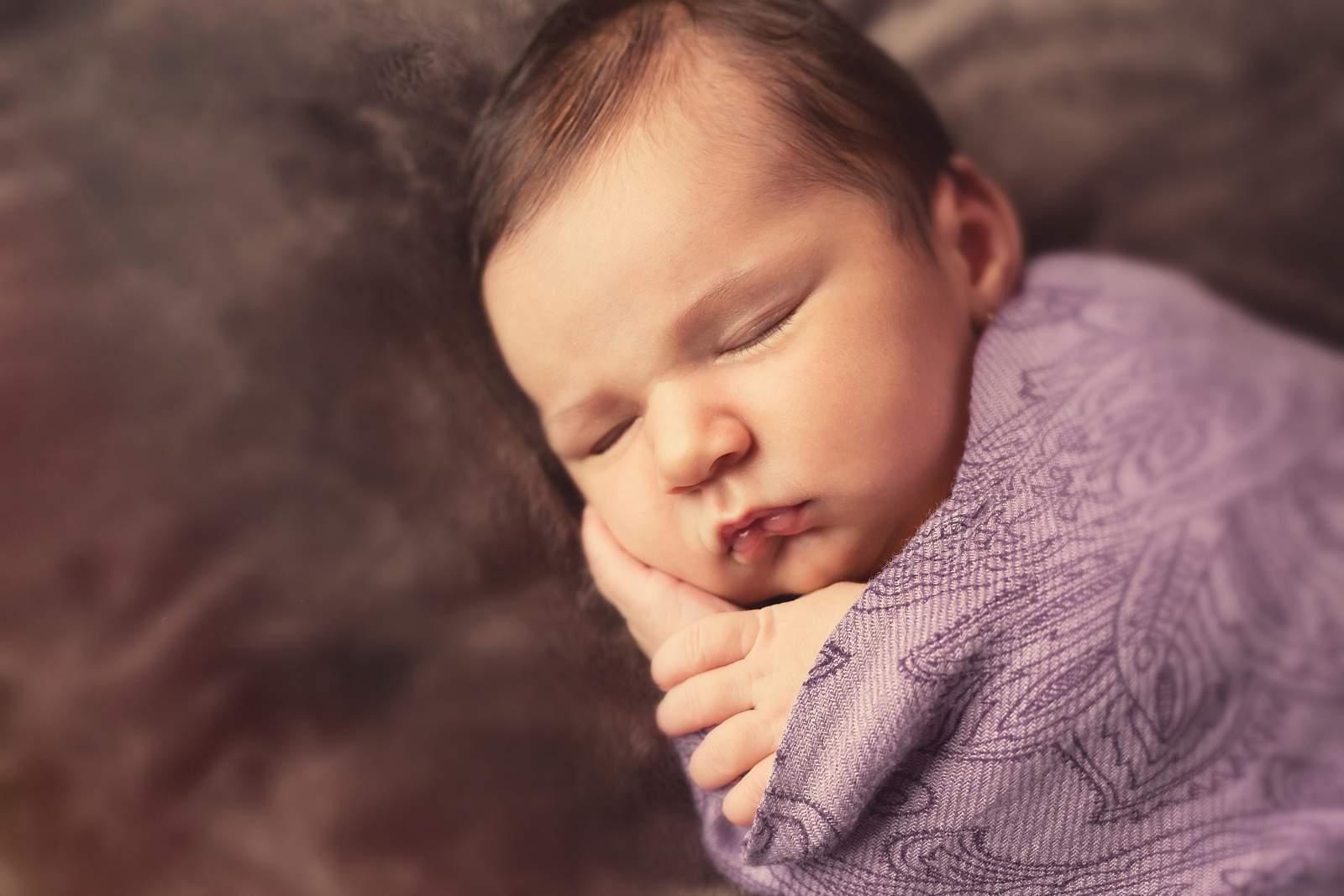 Fotograf Nunta Ema Ioana Newborn Bucuresti